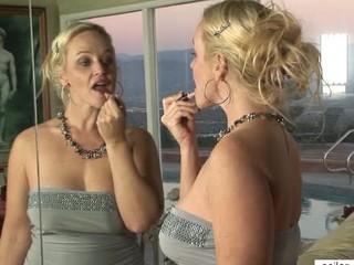 Hardcore cougar Dee Siren jizzed tits