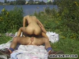 Amateur Skinny GF Sucks And Fucks Outdoor With Cumshot