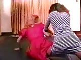 Retro Mom Catfight (2)