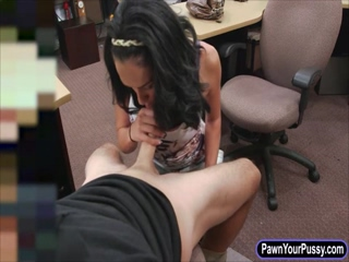 Amateur latina fucked at the pawnshop