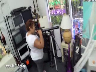 Real amateur teenies fucked by horny guy 7