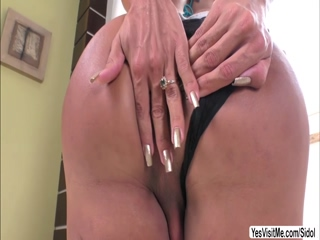 Tgirl Isabelly appreciates solo pleasure
