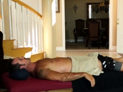 Hugetitted Masseuse Cocksucking Before Riding