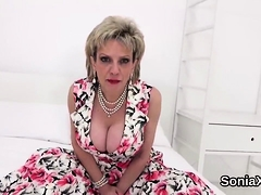 Cheating English Mature Lady Sonia Showcases Her Big 88jvr