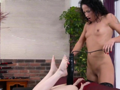 Erotic Lesbian Teenies Get Splashed With Piss And Spl72rhs