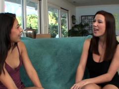 Latina Stepteen Eats Vag