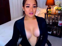 Amazing Babe With Big Boobs On Webcam