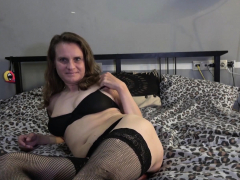 Butterface Webcam Slut Toying Her Cunt