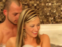 Hardcore Swinger Sex After Foreplay In Bathtub
