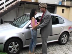 Public Flashing And Blowjob Nature Michelle Boinked On