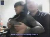 Stona argenta cogida por el novio frente a la webcam.