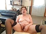 UNBELIVABLE SEXY GRANNY