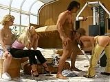 3 Girls im Fitnessraum und eins wird gefickt by snahbrandy