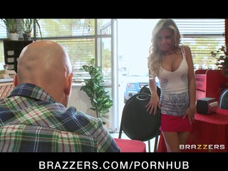 Big-tit blonde slut model fucks dick in coffee shop on first date